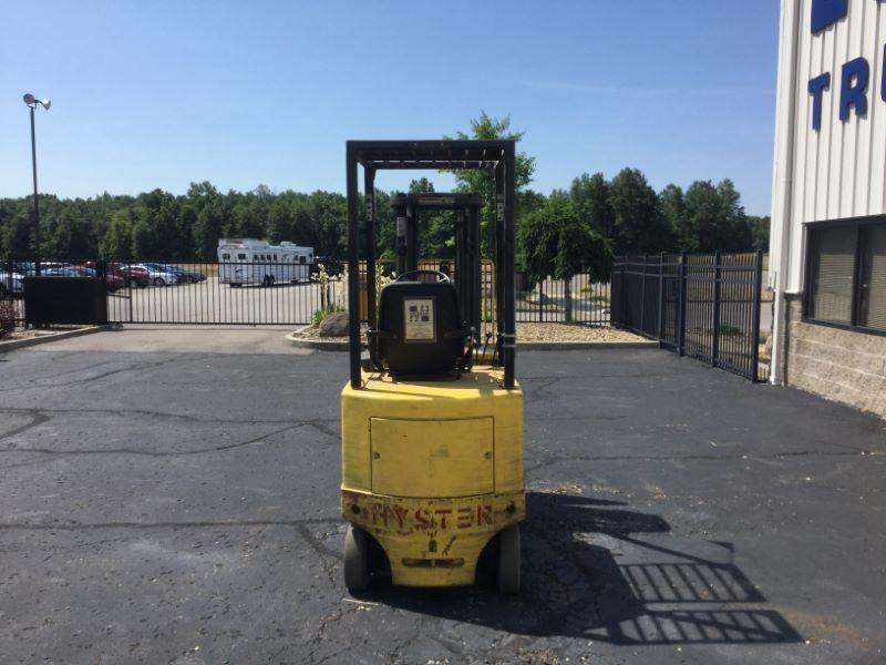 2002 Hyster E30XL Truck Beds and Equipment