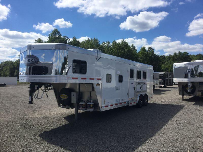 2017 Other 8308LQ Horse Trailer