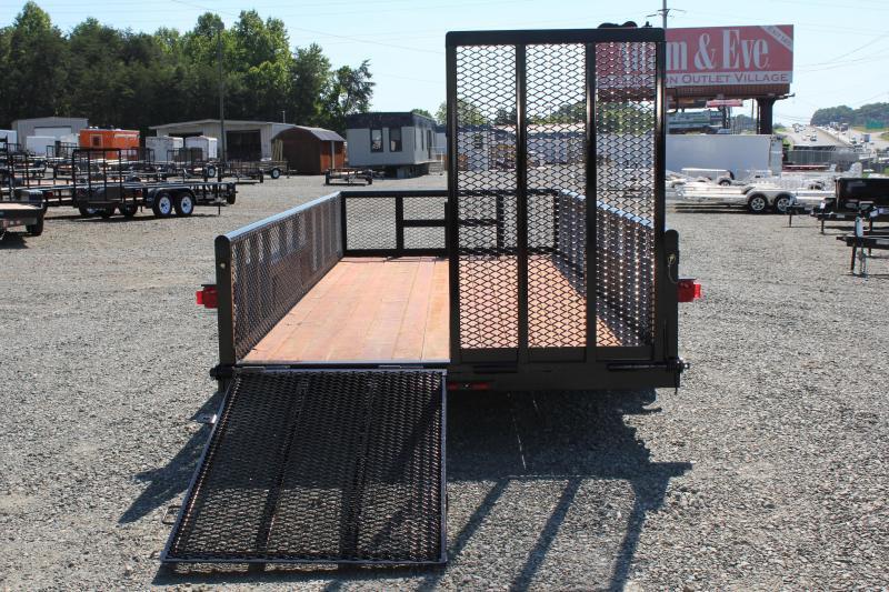 2017 Texas Bragg 18BP 10K w/ 2' Expanded Sides & Split Gate