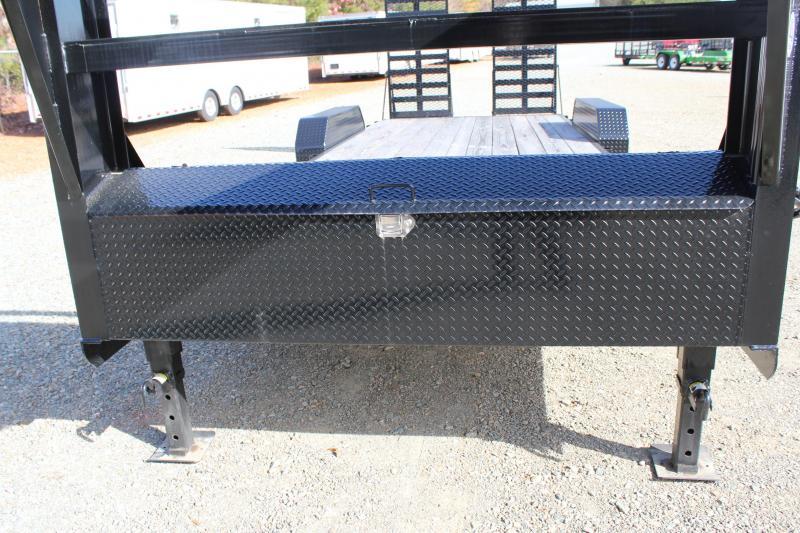 2018 PJ 22CC Gooseneck w/ 31x66 HD Fold Up Ramps