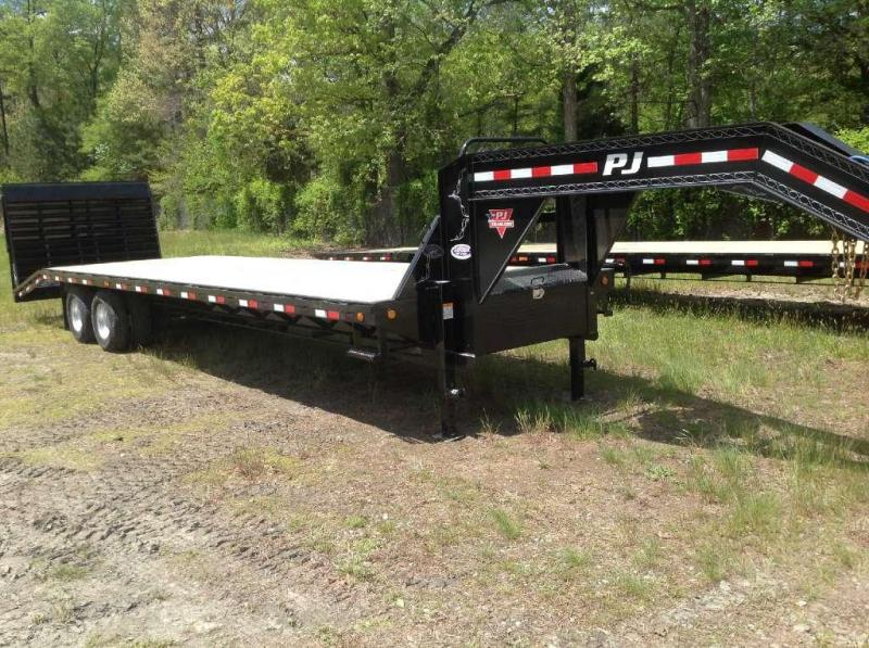 2015 PJ Trailers 32 FD Gooseneck w/ 12K Axles & Powertail