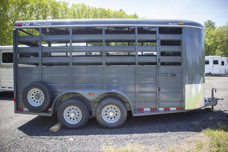 2017 CM CMS6640-1670 Livestock Trailer