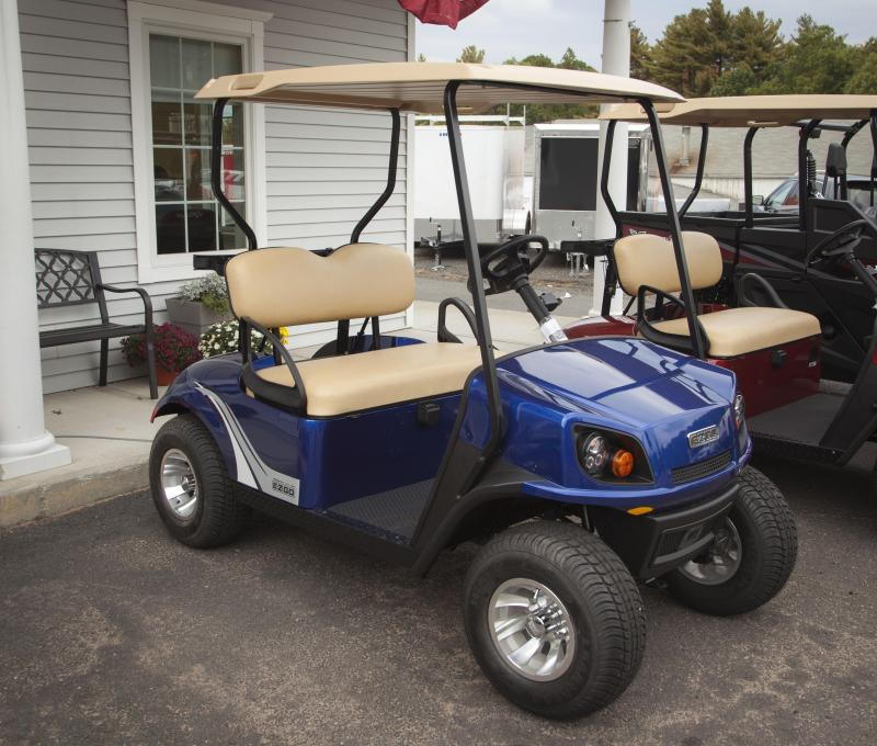 2017 EZ-GO  Freedom TXT Electric Golf Cart