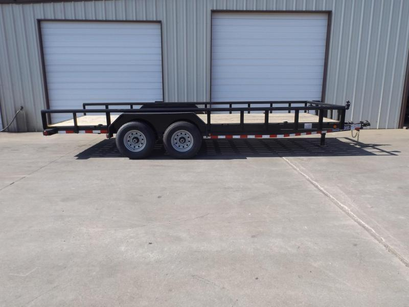 2017 Load Trail CS8320072B00ESBSP1CB2 Equipment Trailer