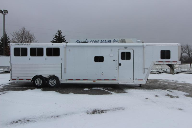 2018 Featherlite 9821 3HR 13.5 Liberty LQ Horse Trailer