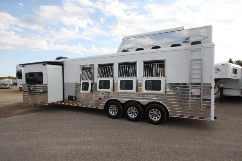 2017 Sundowner 4 horse with 14' LQ with Slide Out