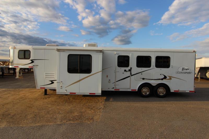 2008 Bison Trailers 3HR 12 LQ Slide Horse Trailer
