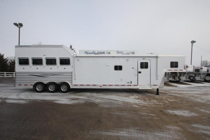 2017 Featherlite 8581 4HR 16.5 LQ DX Horse Trailer