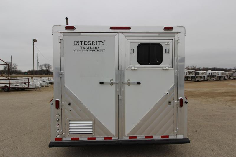2005 Integrity Trailers 5HR 12 LQ Horse Trailer