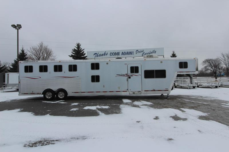 2006 Featherlite 4HR 17 LQ Bunk Beds Horse Trailer