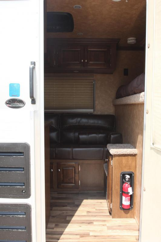 2018 Sundowner Trailers 2 HR GN 6 LQ Horse Trailer