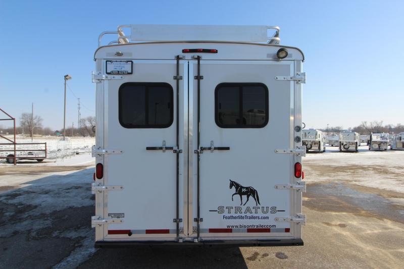 2005 Bison Trailers 4HR 15.5 LQ Horse Trailer