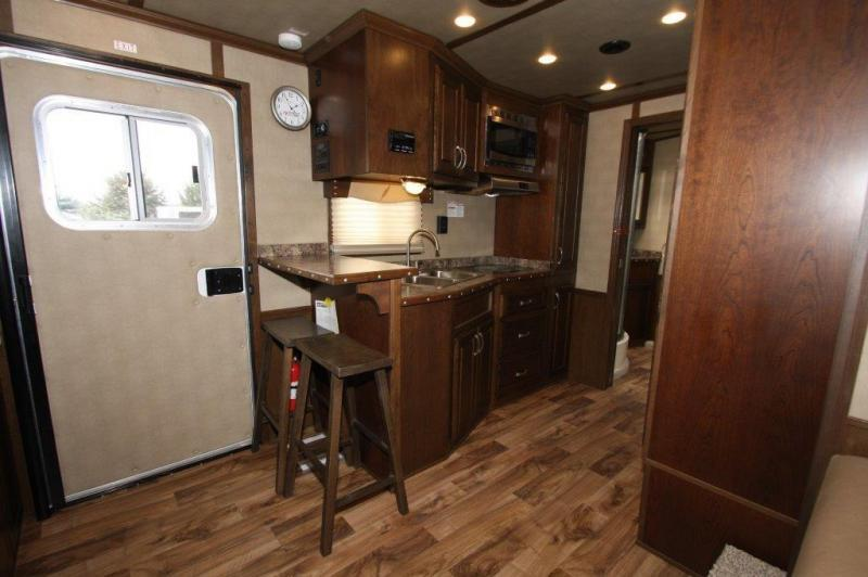 """2016 Featherlite 4 horse with 15'5"""" LQ w/Slide Out"""