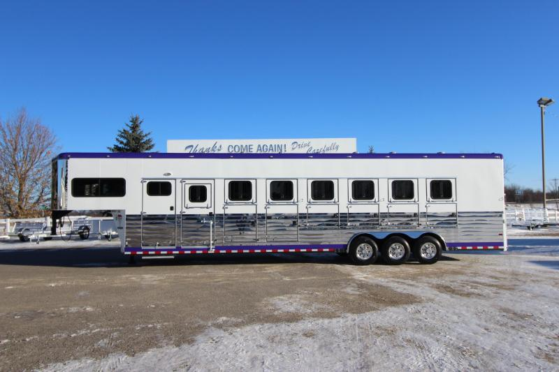 2009 Sundowner Trailers 7HR GN Horse Trailer