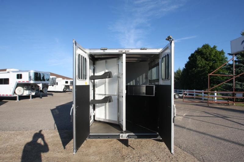 2017 Sundowner Trailers 2HR GN Horse Trailer