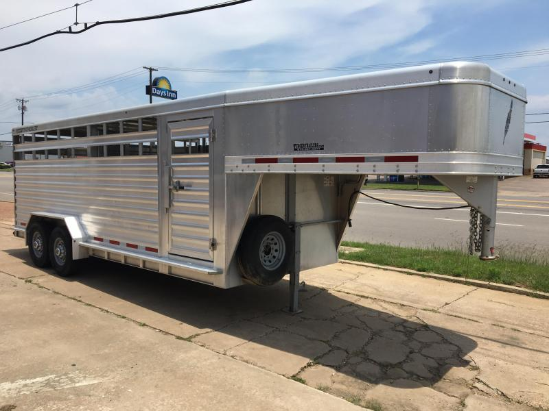 2012 Featherlite 8127 Horse Trailer
