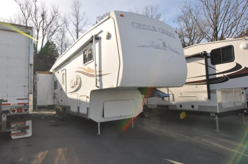 2004 Forest River, Inc. CEDAR CREEK M36RLTS Camping / RV Trailer