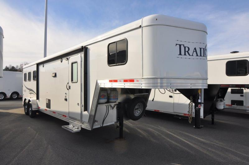 2017 Bison Trailers 7310TB Horse Trailer
