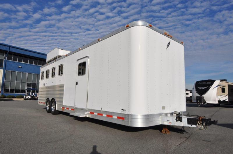 2007 Featherlite 8555-8020 4 HORSE Horse Trailer