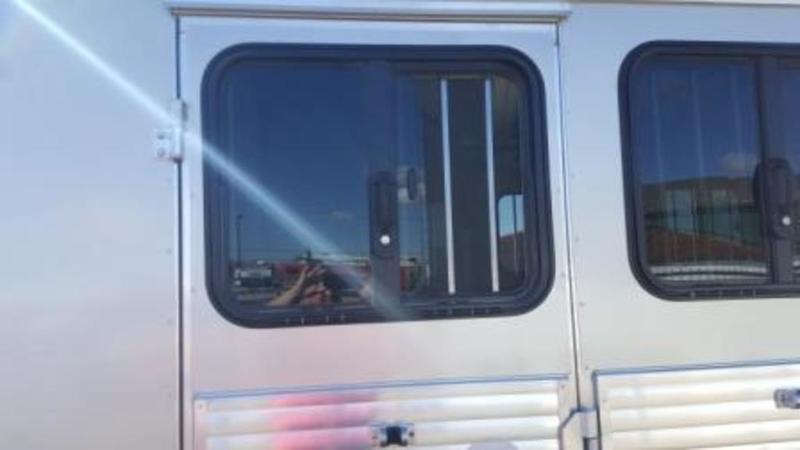 2017 Sundowner Trailers Super Sport Gooseneck LQ Horse Trailer