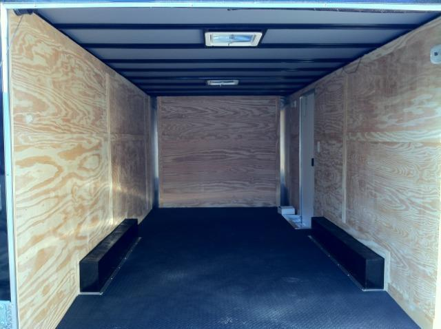 Diamond Cargo 8.5x18 ENCLOSED CARGO TRAILER TORSION AXLES SCREWLESS THERMO-COOL CEILING