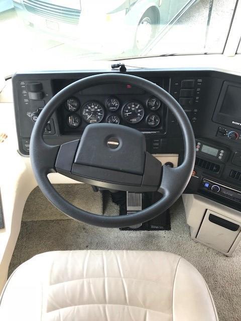 2004 Winnebago Journey 34H Diesel Pusher Class A RV