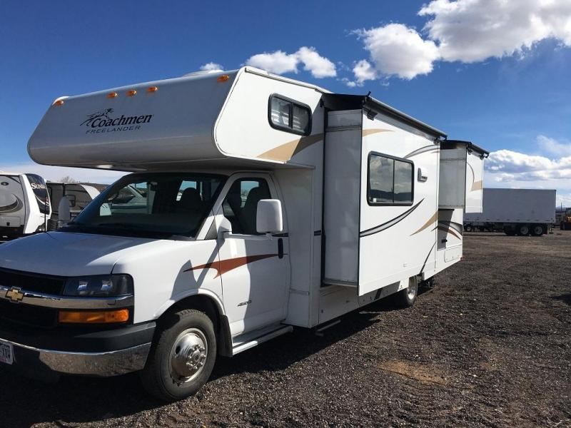 2013 Coachmen Freelander M-28 DS Class C RV