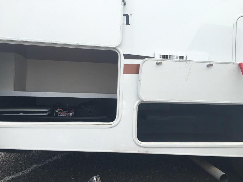 2013 Coachmen Freelander M-28 DS Class C RV