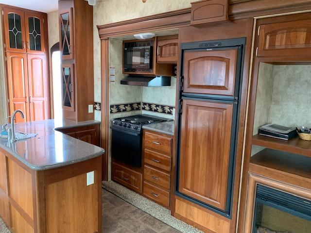 2011 Keystone Avalanche 290RL Fifth Wheel Campers