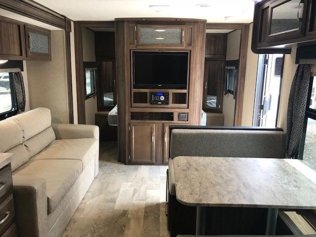 2018 Coachmen Apex 251 Ultra Lite