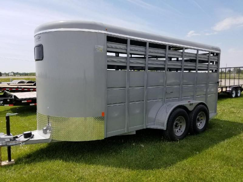 2017 Delta Manufacturing 600 Deluxe 16ft L 6ft W Livestock Trailer