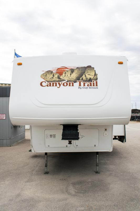 2008 Gulfstream Canyon Trail 25FRKW 5th Wheel Camper Trailer