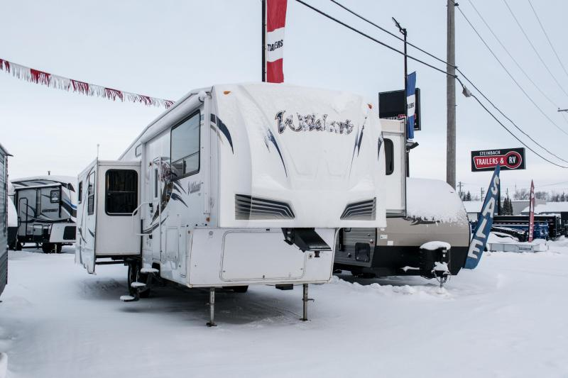 2011 Wildcat 34FLR 5th Wheel Travel Trailer