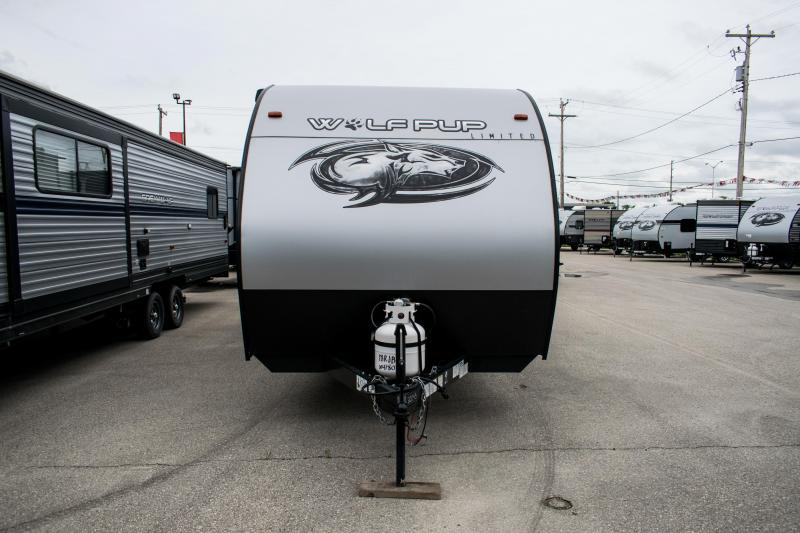 2020 Wolf Pup Limited 18RJB Toy Hauler