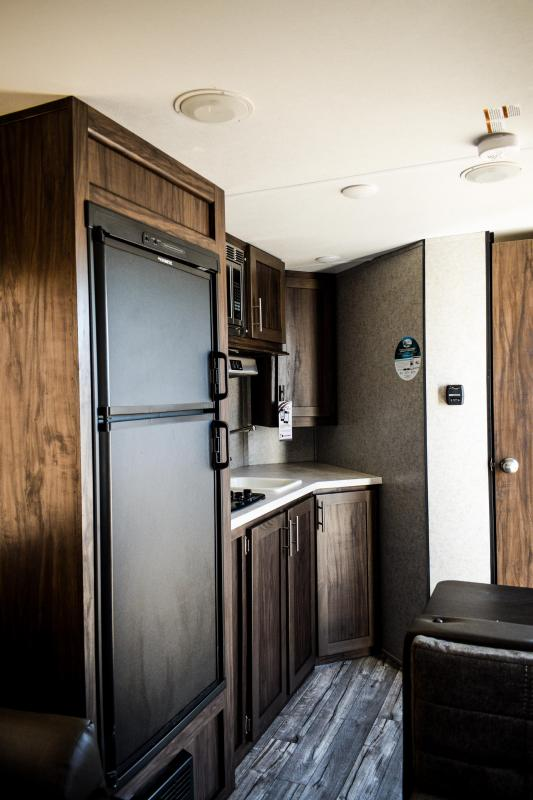 2019 Wolf Pup 15SW Travel Trailer