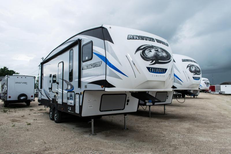 2020 Arctic Wolf Limited 265DBH8-L 5th Wheel Camper