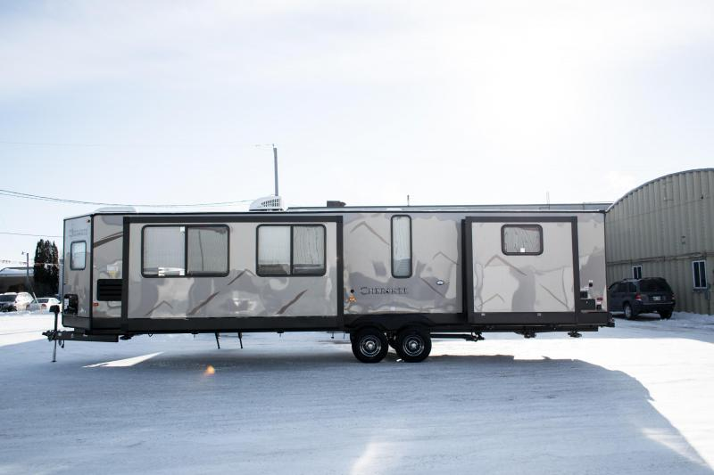2019 Cherokee Limited 304VFK Travel Trailer