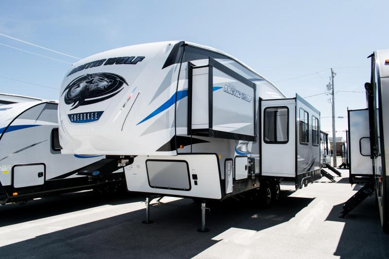 2020 Arctic Wolf Limited 265DBH8-L 5th Wheel Travel Trailer
