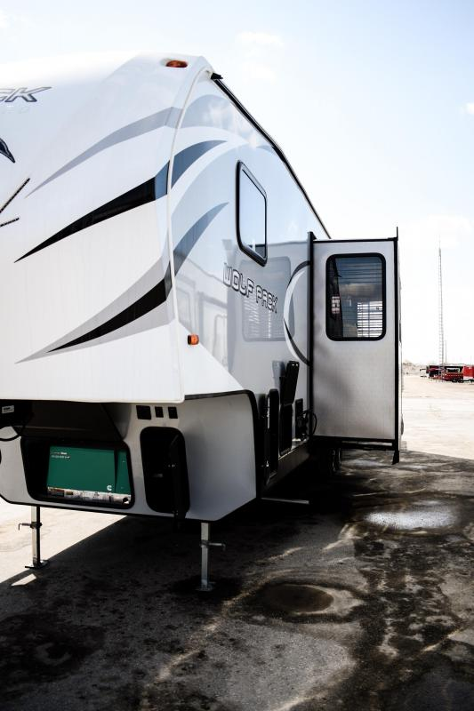 2019 Wolf Pack 315pack12 Limited Toy Hauler 5th wheel