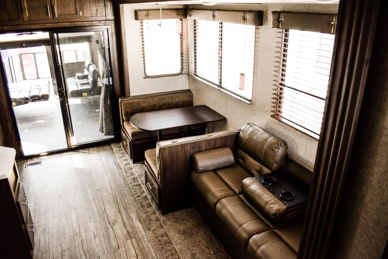 2018 Wolf Pack 315pack12 Limited Toy Hauler 5th wheel