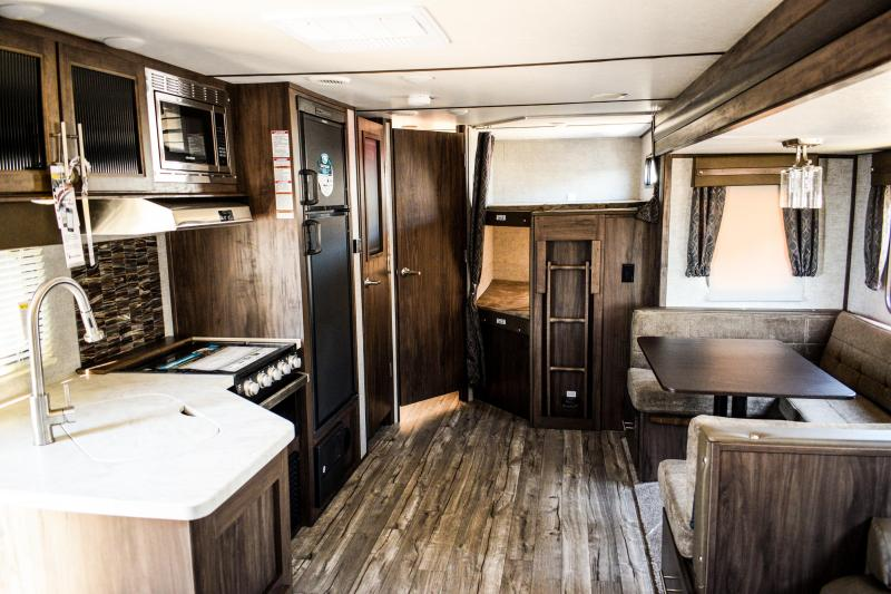 2019 Alpha Wolf 26DBH-L Travel Trailer