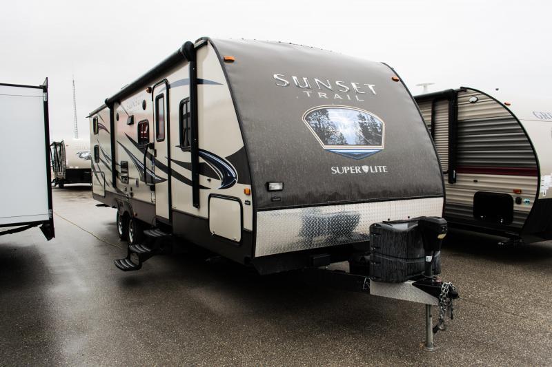 2014 CrossRoads RV Sunset Trail Super Lite 290QBTravel Trailer