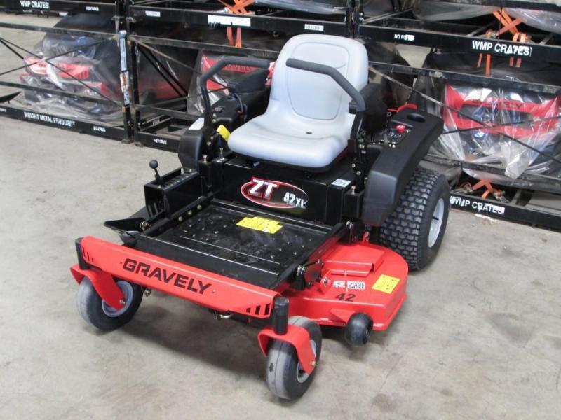 2016 Gravely ZT X 42 Lawn/ Zero Turn Mower