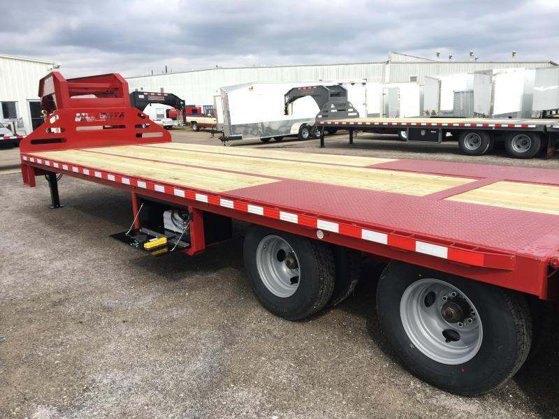 2018 Midsota FBGN 28' Hydraulic Dovetail Flatbed Gooseneck Equipment Trailer