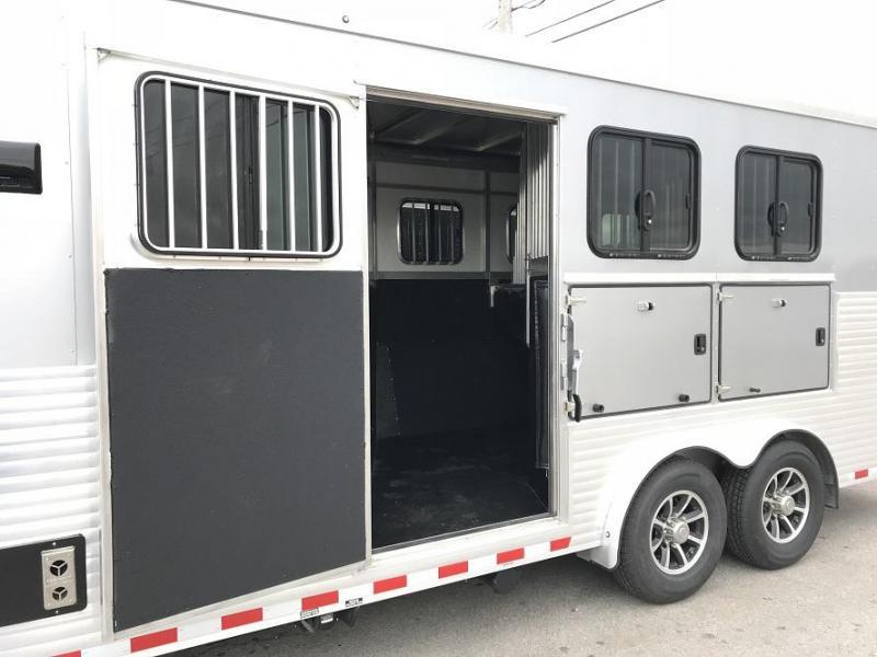 2018 Sundowner Santa Fe Living Quarters 3 Horse Trailer