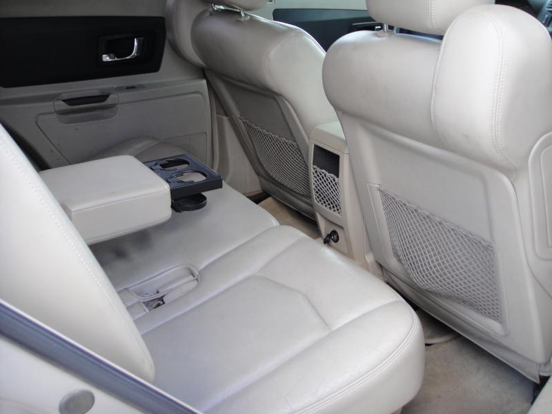 2004 Cadillac SRX SUV