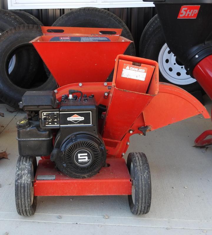 2000 Other MTD Yard Machines 5 HP Chipper / Shredder