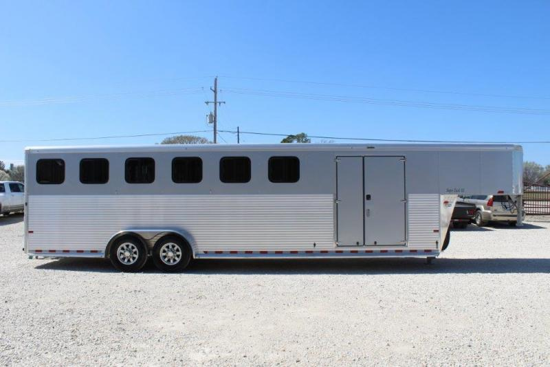 2018 Sundowner 6 horse with dressing room