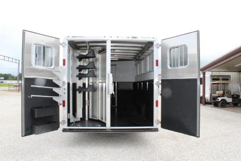 2016 Featherlite 4 horse with 11\u0027 LQ with Slide Out