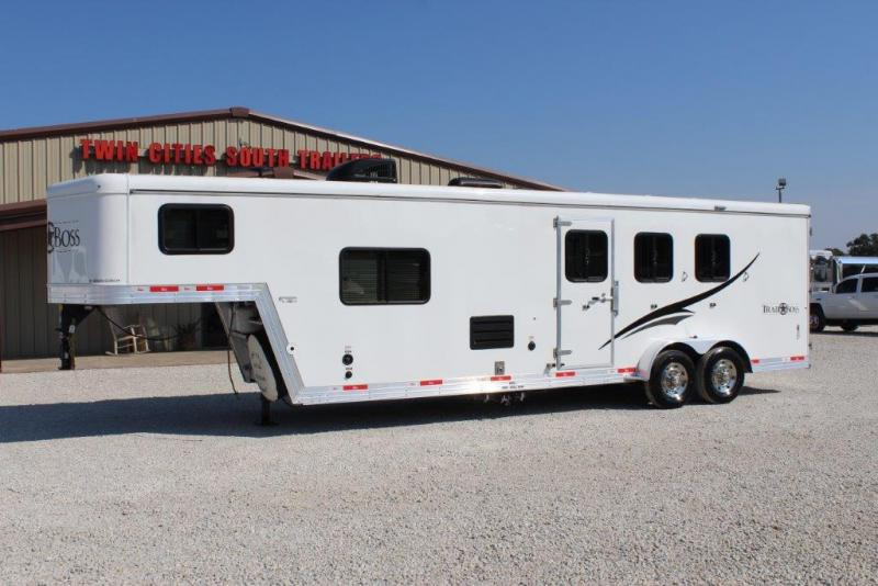 2016 Bison 3 horse with 10' LQ
